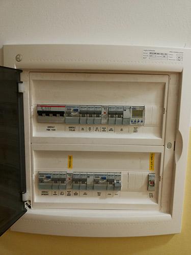 Installazione impianti elettrici domestici artecasaservizi - Quadro elettrico casa a norma ...